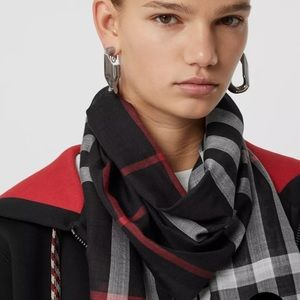 NWT Burberry Style Check Wool Silk Scarf